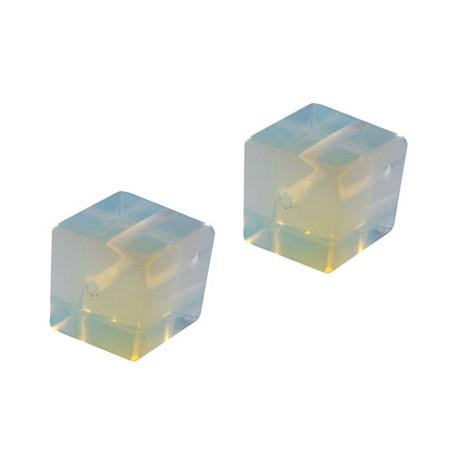Opal kostka 10mm